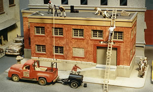 """Scale Modeling - Model Railroading Quality Handpainted 1/4"""" (O) Scale Figures"""